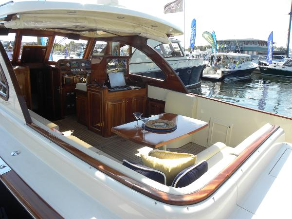 Windsor Craft by Vicem Yachts 36 Hardtop