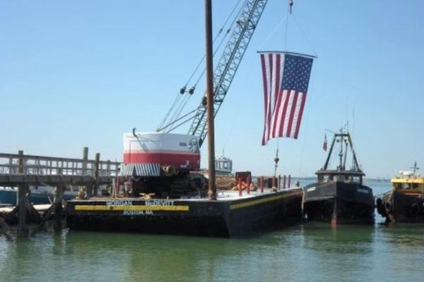 CUSTOM BUILT 1962 90' x 30' Steel Deck Barge c/w 30T Bucyrus Crane