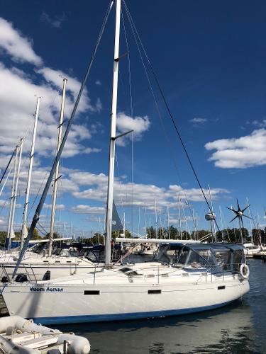 Beneteau Oceanis 370 Docked