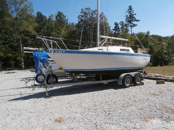 23 San Juan Starboard View on Trailer