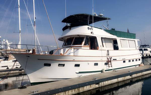 Marine Trader Flush Deck Motoryacht