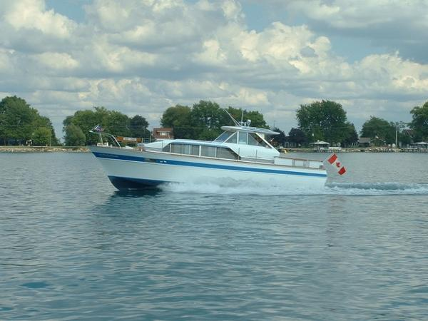 Chris-Craft 37 Constellation