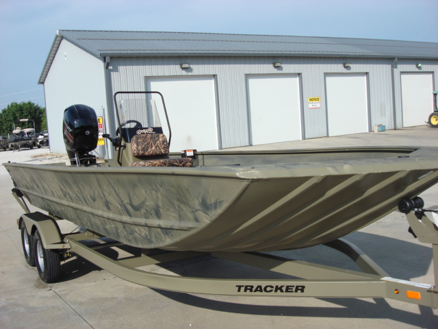 TRACKER BOATS Welded Jon 2072