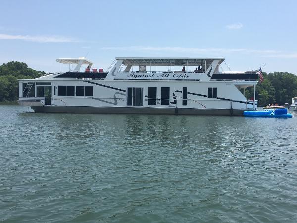 Fantasy 88 Houseboat