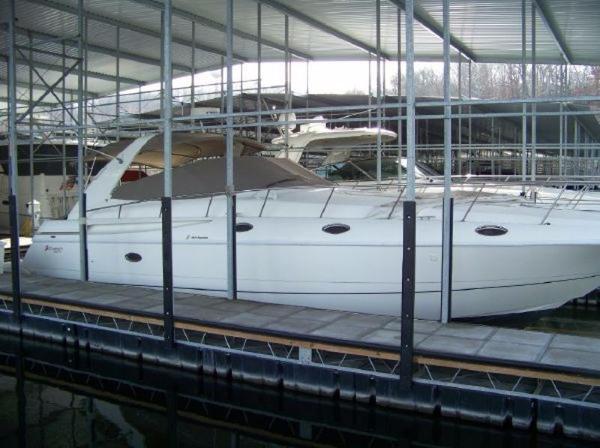 Cruisers 4270 Esprit
