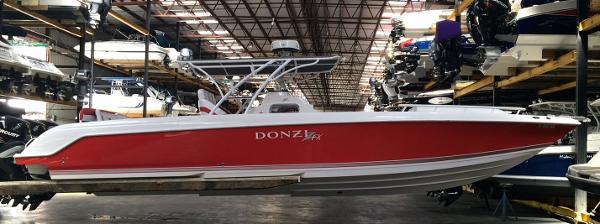 Donzi 38 ZFX Cuddy
