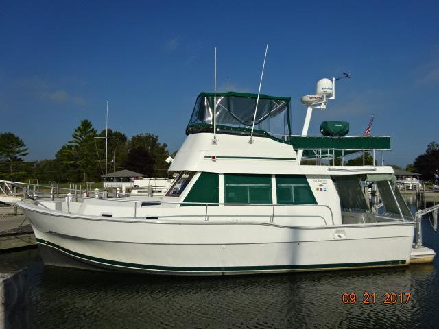 Mainship Trawler PB port profile 9-21-17.JPG