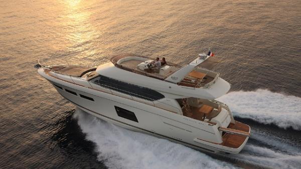 Prestige Yachts 620 Flybridge Port Side Running Shot