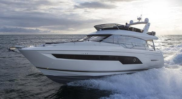 Prestige Yachts 630 Flybridge Port Side Running