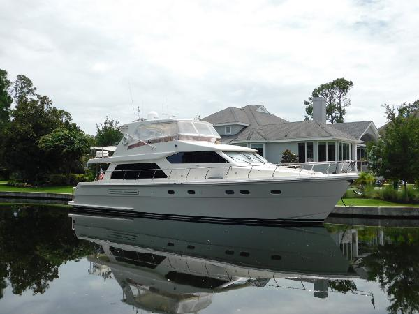 Hampton 63 Pilothouse
