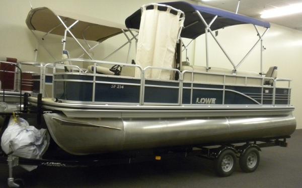 Lowe SF214 Deluxe Sport Fish