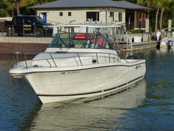 Pursuit 3070 Offshore Center Console