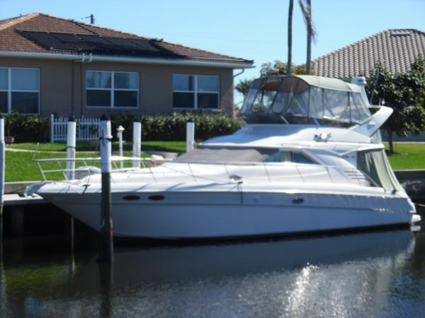 Sea Ray 400 Sedan Bridge Port Side