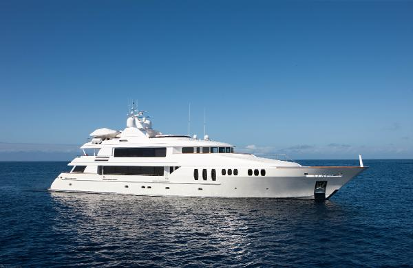 Trinity Yachts Motoryacht