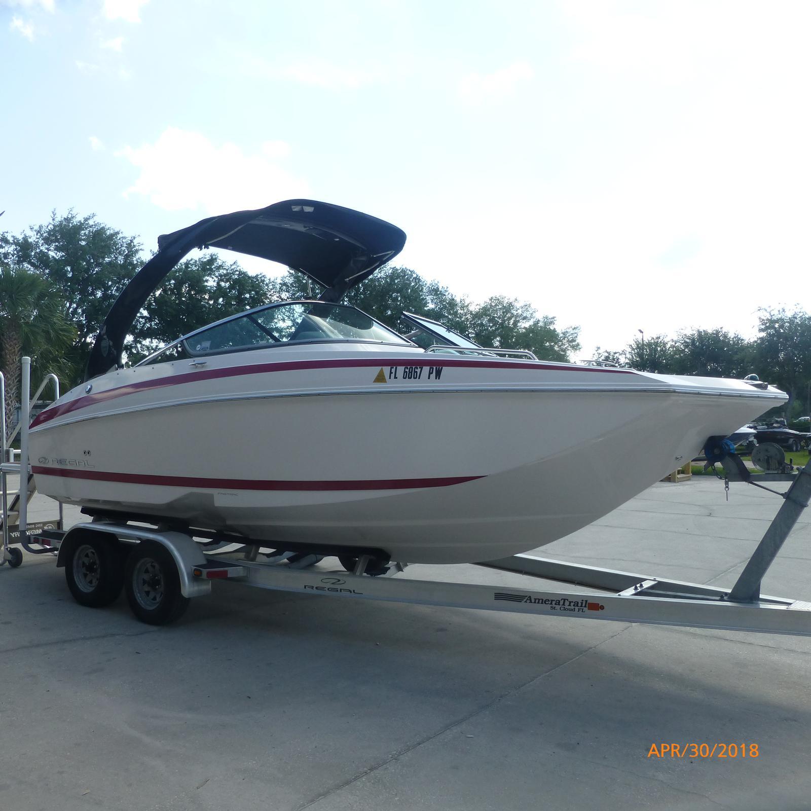 Regal Deck Boat 24 FasDeck RX