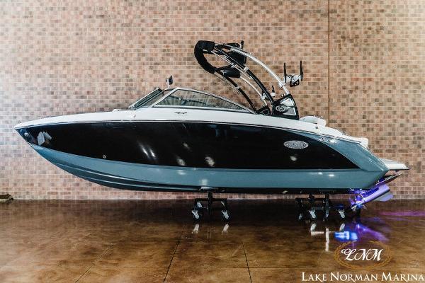 Cobalt Boats R3 Surf