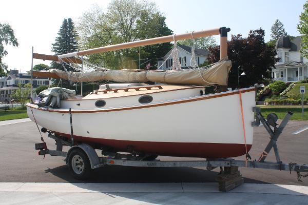Herreshoff 18' American Cat Boat