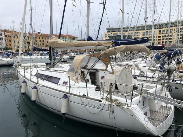 Beneteau Oceanis 37 IMG_8419