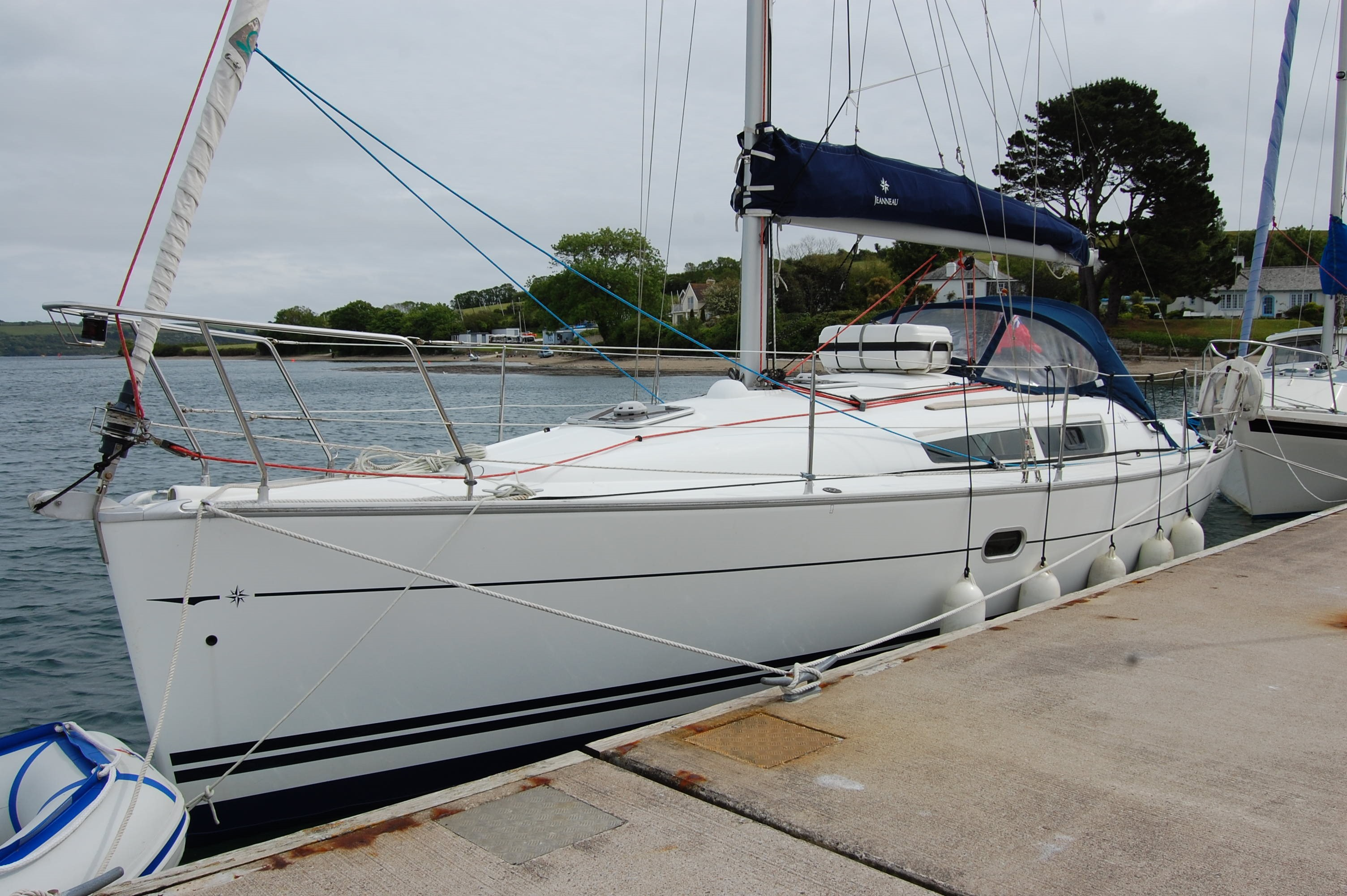 Jeanneau Sun Odyssey 32i Jeanneau Sun Odyssey 32i