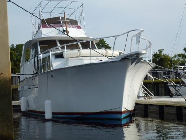 Hatteras Tri Cabin Starboard Bow