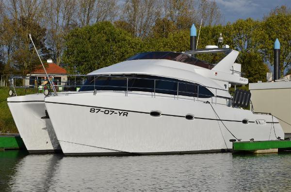 Custom Starcat 45f Luxus Catamaran DSC_0855