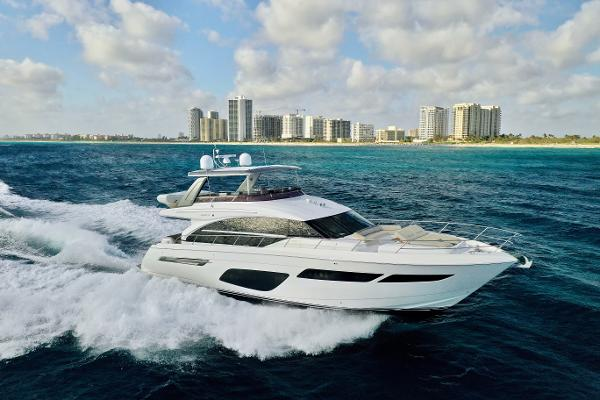 Princess 70 Flybridge 2019 Princess 70 Flybridge Starboard Running