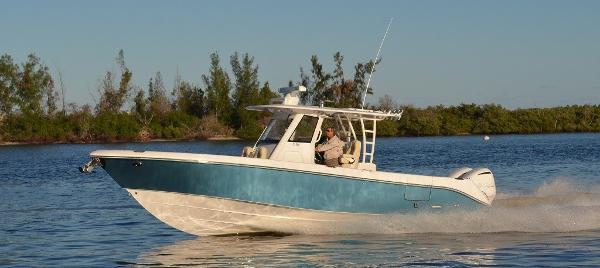 Everglades 335 Center Console