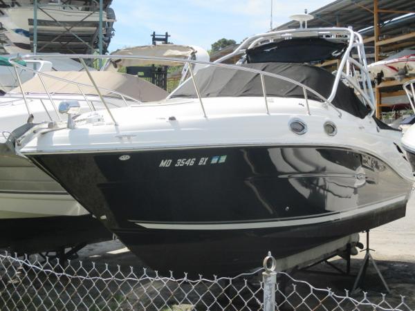Sea Ray 270 Amberjack Port Bow