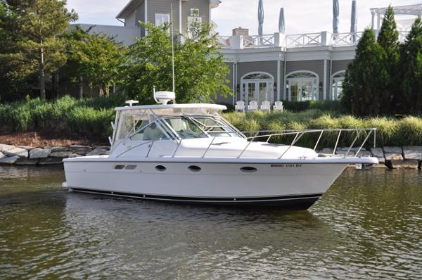 Tiara 3100 Limited Edition Open Profile