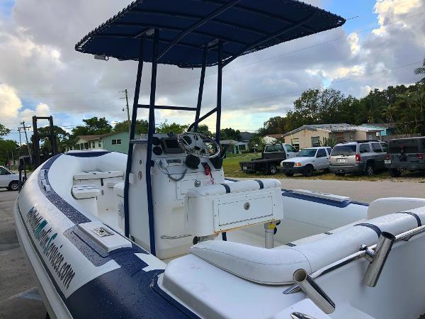 Custom Nautica 22WB