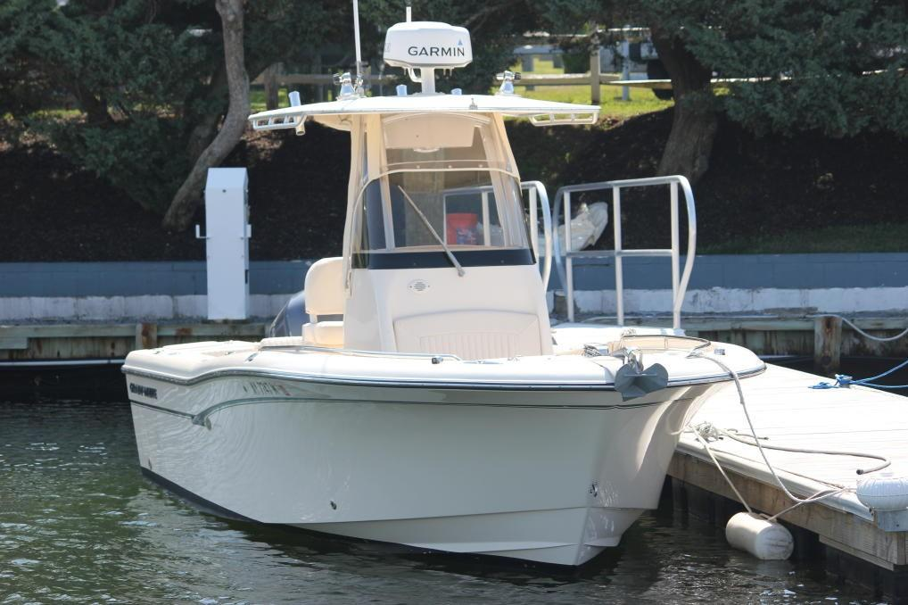 Grady-White Fisherman 230 Bow view
