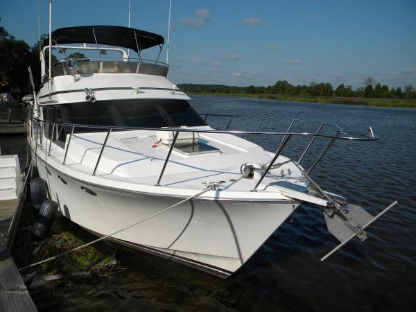 Ocean Alexander Cockpit Motoryacht
