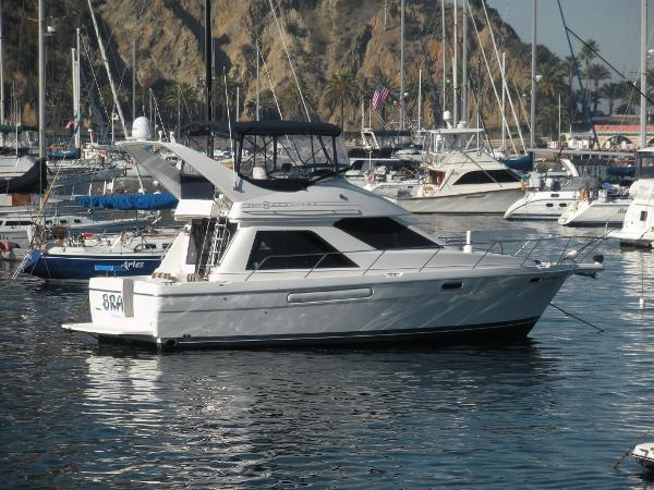 Bayliner 3788 Command Bridge Motoryacht Starboard Side at Catalina