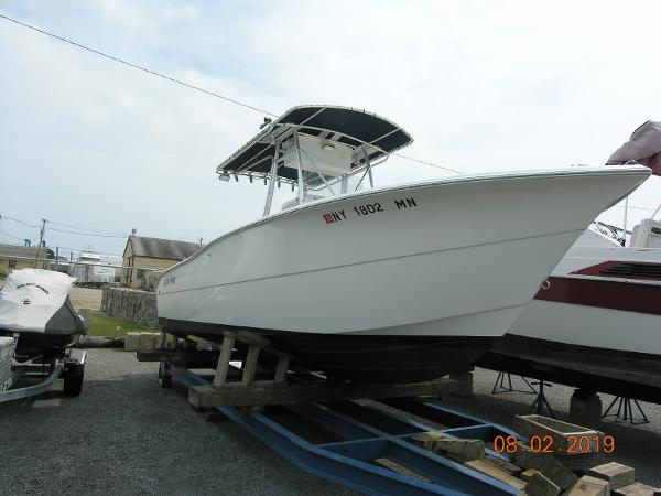 Sea Pro 238 Center Consol