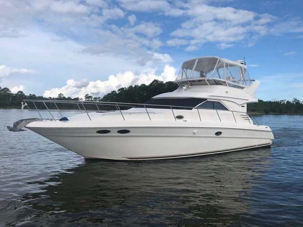 Sea Ray 400 Sedan Bridge Portside Profile