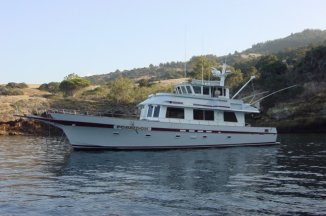 "Willard Marine ""65"" Pilothouse"