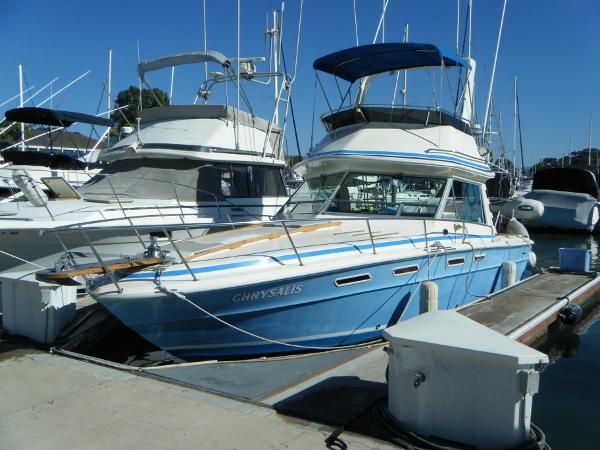 Sea Ray 300 Sportbridge