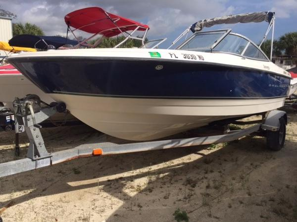Bayliner 215 Bowrider Discovery