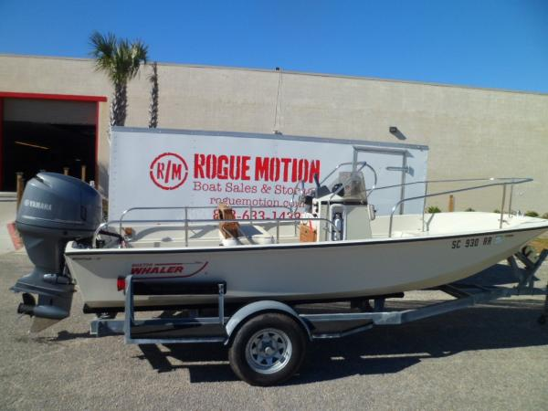 Boston Whaler 17 Montauk STARBOARD ON TRAILER