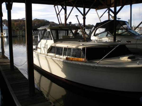 Chris-Craft Commander Hardtop Applecrate