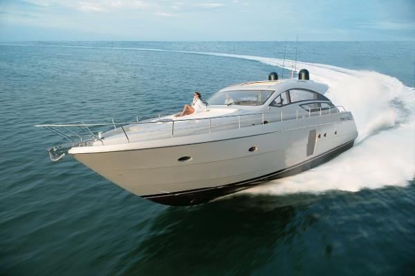 Pershing Express Cruiser 64' Pershing AMBER