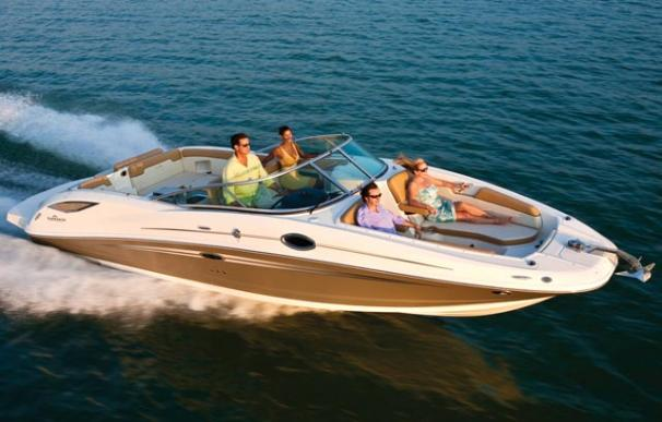 Sea Ray 300 Sundeck Manufacturer Provided Image