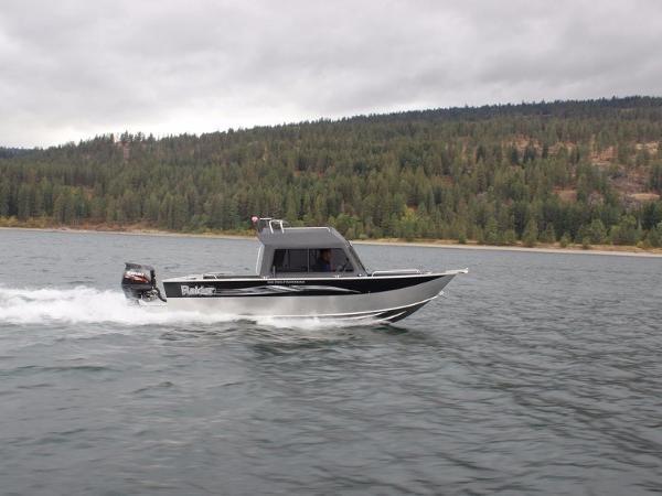 Raider Pro Fishermen 220