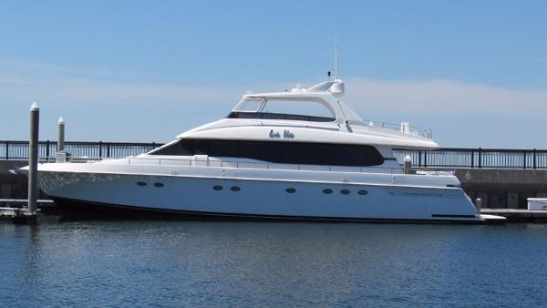 Lazzara Flybridge Profile