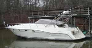 Cruisers Yachts 3675 Esprit Port side