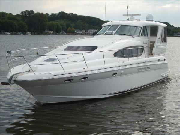 Sea Ray 480 Motor  Yacht Profile