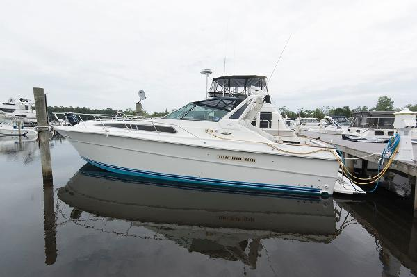 Sea Ray 390 Express Cruiser Profile