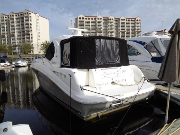 Sea Ray 40 Sundancer New extended enclosure