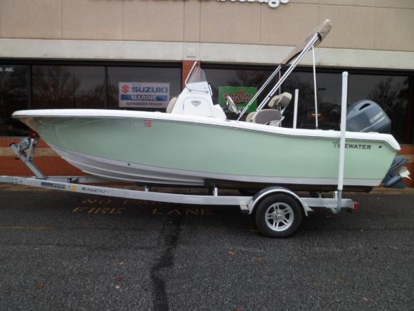Tidewater 198 CC Adventure PORT ON TRAILER