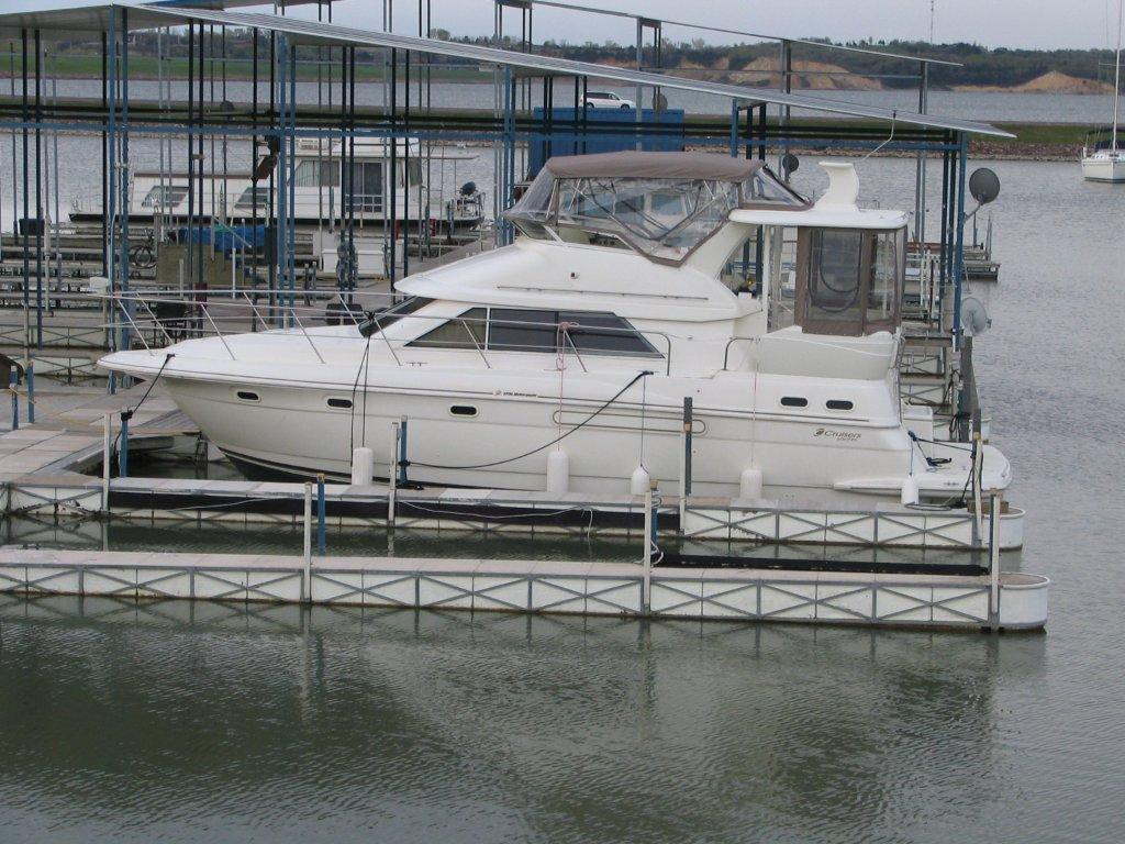 Cruisers 3750